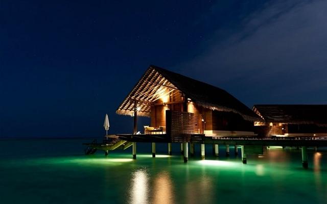 モルジブ、夜のビーチハウス