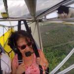 小型飛行機に珍客が搭乗していたまさかのハプニング!