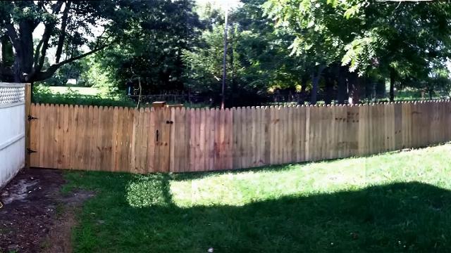愛犬のために立派な柵を自作した飼い主。大きな誤算で悲しい結末