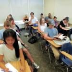 見事なカモフラージュ!?(笑)|この中に居眠りをしている学生が・・・