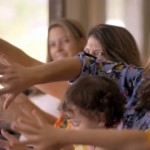 家族の半数が6本指(多指症)というブラジルのダ・シルヴァさんファミリー