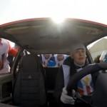ロシアで開催された、ストーンの代わりに車を使った驚愕のカーリング大会