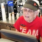 勤続年数44年のマクドナルド店員 → 今も現役で働く94歳の元気なおばあちゃん