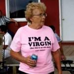 細かなことは気にしないご老人たち(笑)!? → だけど気になるTシャツのプリント文字いろいろ