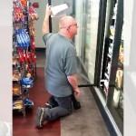 さすが勤続30年のベテラン店員。なんかデータ入力の速さがスゴすぎて笑える