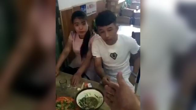 食事を終えたカップル → ここは俺が払うよ → いや、私が払うわ・・・なんでそうなるの?