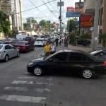 マナーの悪い車に横断歩道をふさがれた歩行者 → 対処の仕方が予想外!