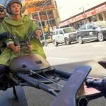 バイクをスターウォーズのスピーダーバイク風に改造 → 街の中を走ってみた結果・・・