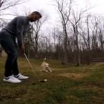 ゴルフ好きの飼い主とボール好きの愛犬・・・どちらも嬉しいWin-Winの関係♪