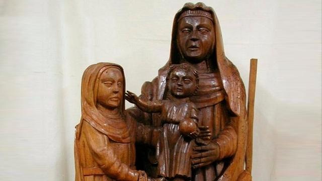 15世紀のマリア像を素人の女性が修復した結果、とんでもないことに・・・(スペイン)