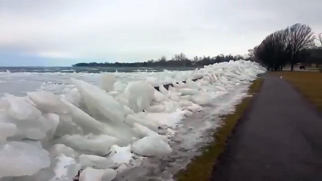 ナイアガラ川の氷と自然の猛威