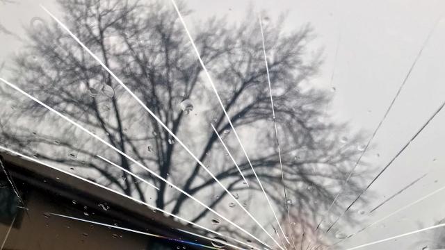 ひび割れしたフロントガラスの応急措置がなんだかワクワクする件