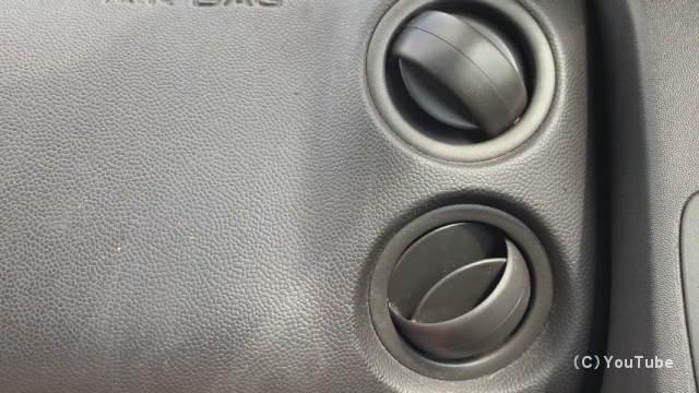 車のエアコンの空気口が超高速回転する衝撃的な光景