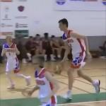 向かう所敵なし!?・・・身長213cm超えの12歳のバスケ少年が凄い