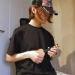 プロのギタリストが100円ショップで買ったおもちゃのギターを演奏した結果